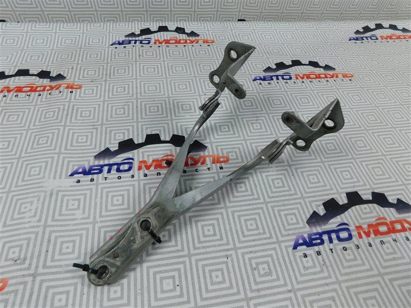 Петля капота Toyota Auris NZE151-1052312 1NZ-FE 2008