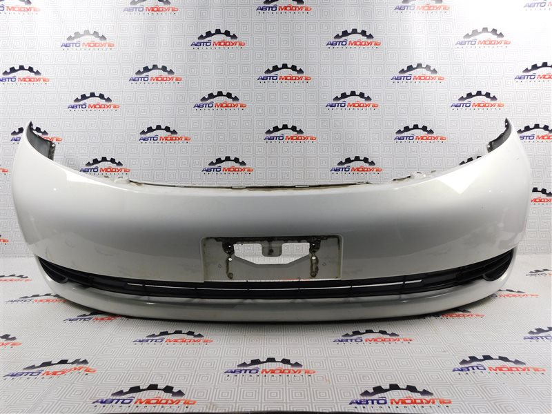 Бампер Toyota Isis ZNM10-0030443 1ZZ-FE 2006 передний