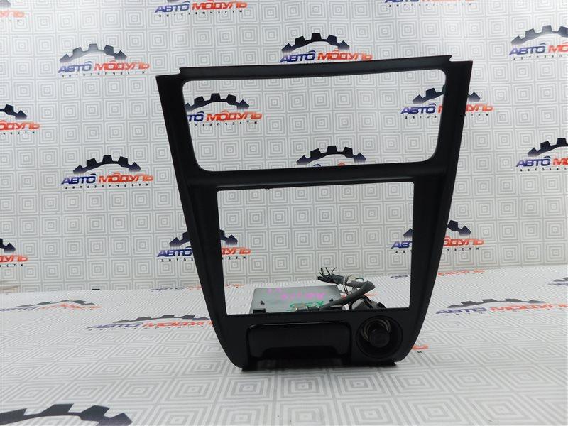 Консоль магнитофона Toyota Sprinter AE110-7001222 5A-FE 1995