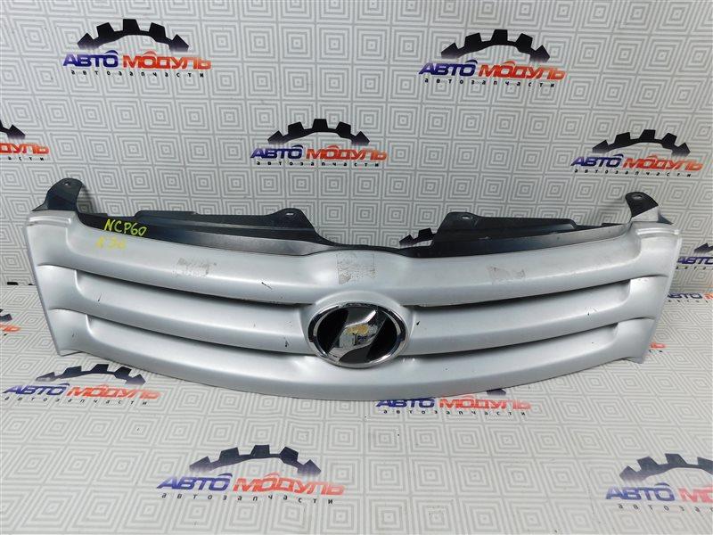 Решетка радиатора Toyota Ist NCP60-0238673 2NZ-FE 2006