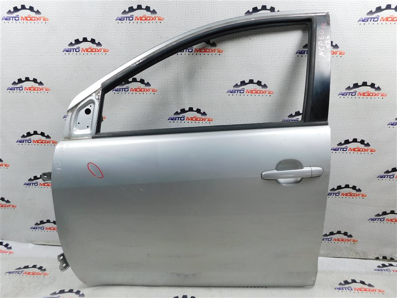 Дверь Toyota Ist NCP60-0238673 2NZ-FE 2006 передняя левая