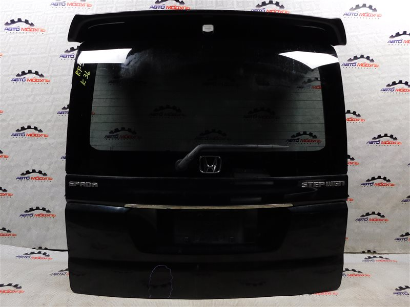 Дверь 5-я Honda Step Wagon RF5-1107085 K20A задняя