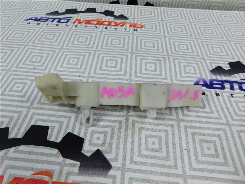 Крепление бампера Mitsubishi Mirage A03A заднее правое
