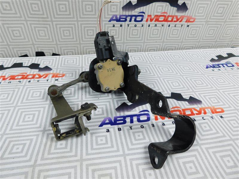 Датчик корректора фар Toyota Avensis AZT250-0014000 1AZ-FSE 2004 задний