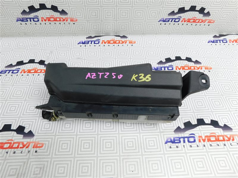 Блок предохранителей Toyota Avensis AZT250-0014000 1AZ-FSE 2004