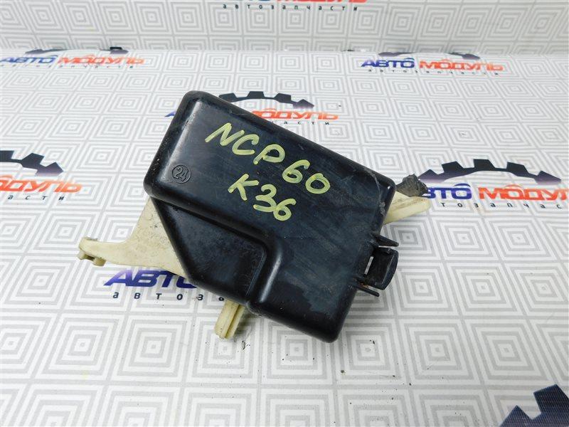 Блок предохранителей Toyota Ist NCP60-0238673 2NZ-FE 2006