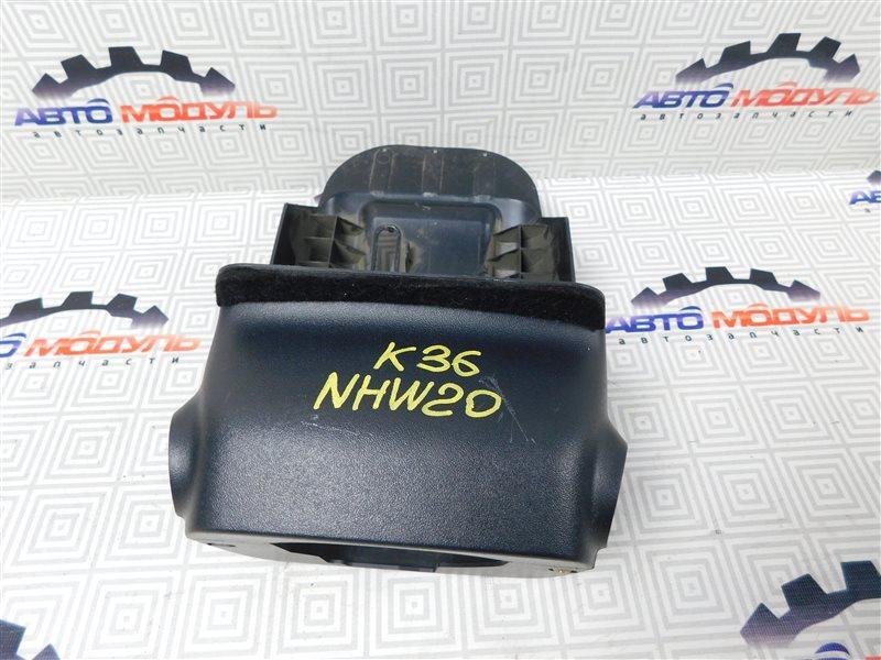 Кожух рулевой колонки Toyota Prius NHW20-0067499 1NZ-FXE 2004