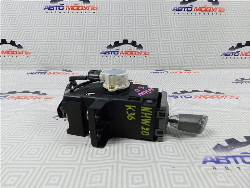 Селектор акпп Toyota Prius NHW20-0067499 1NZ-FXE 2004