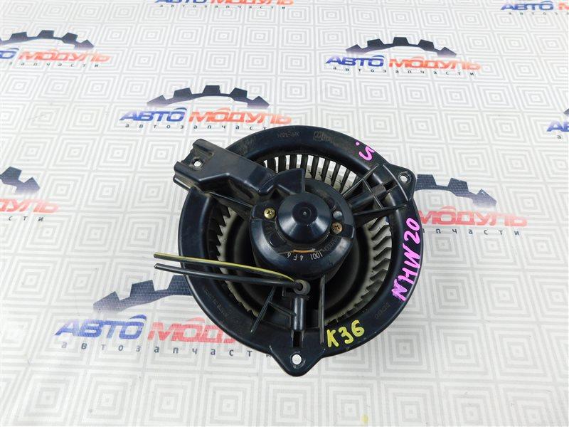 Мотор печки Toyota Prius NHW20-0067499 1NZ-FXE 2004