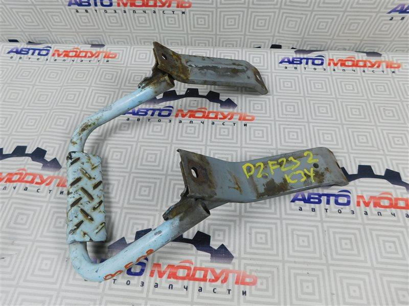 Подножка Nissan Atlas P2F23-057113 TD27 2001 задняя правая