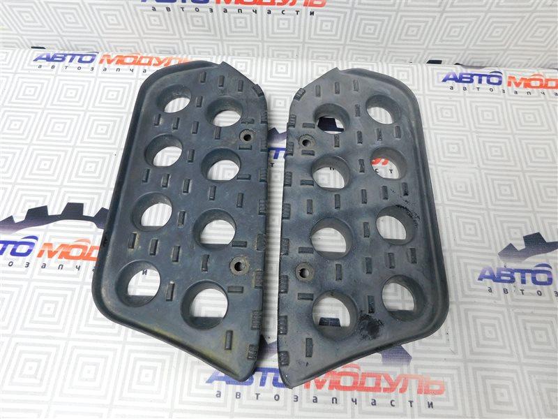 Подножка Nissan Atlas P2F23-057113 TD27 2001 передняя