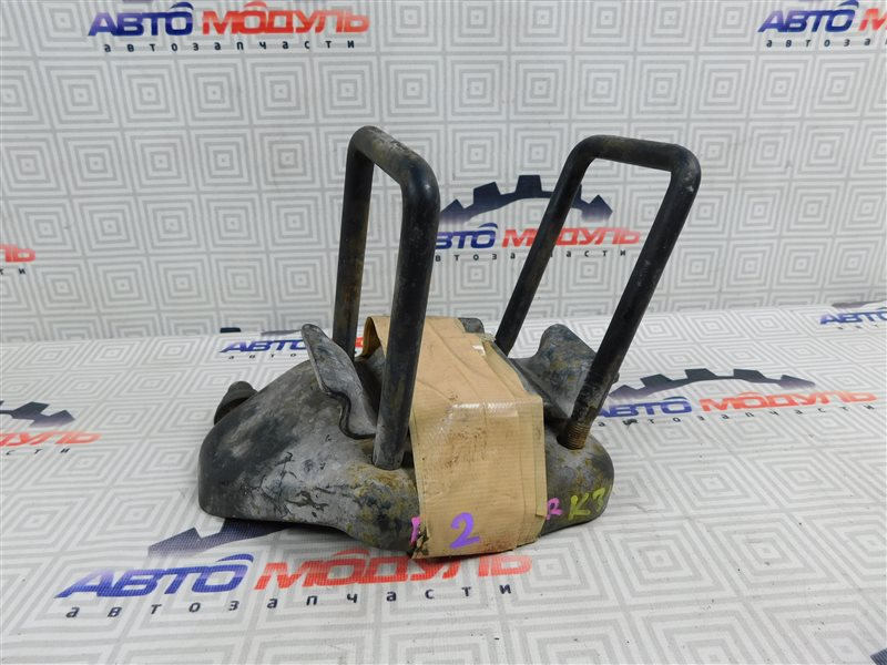 Стремянка рессоры Nissan Atlas P2F23-057113 TD27 2001