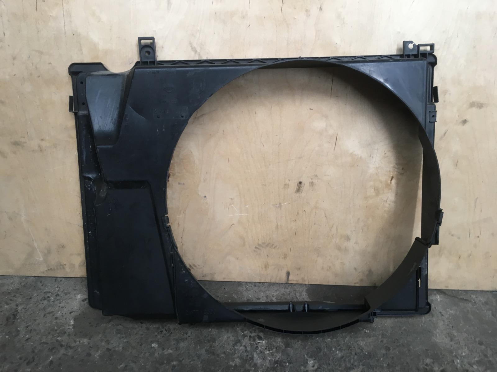 Диффузор Nissan Elgrand E51 VQ35DE 2004 (б/у)