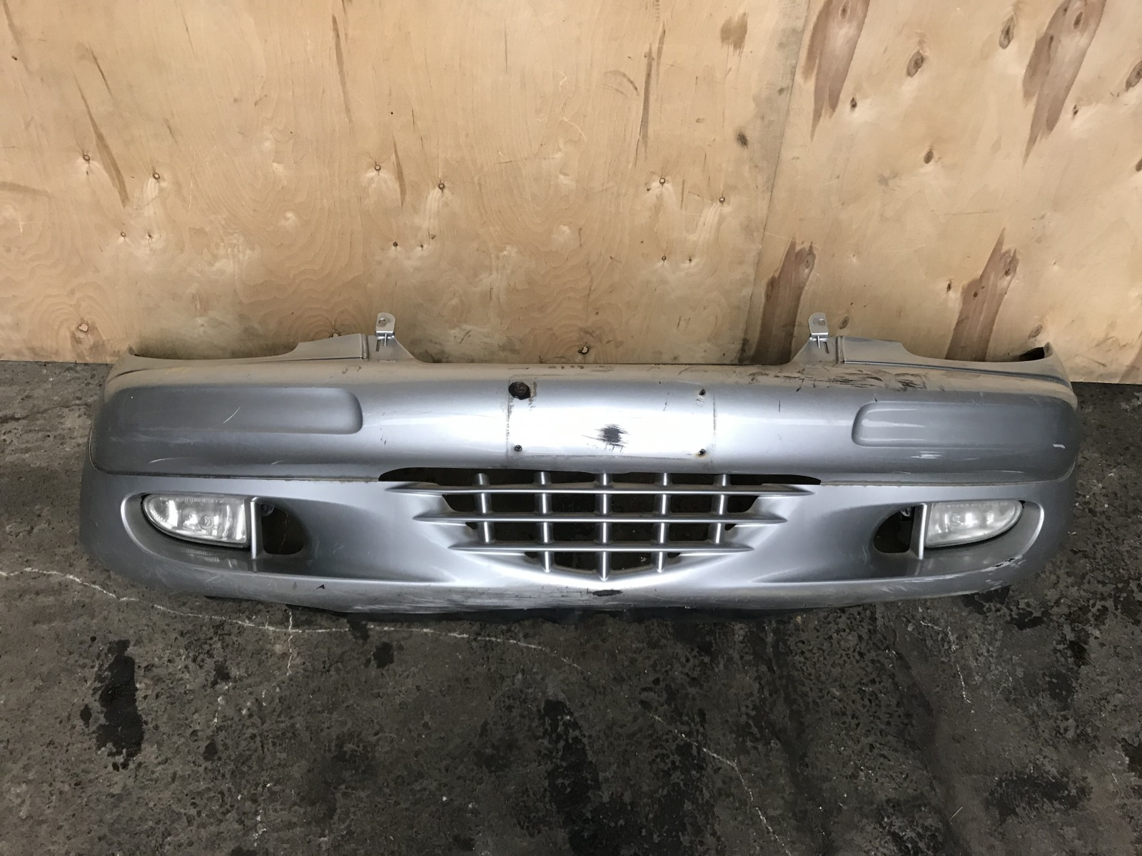 Бампер Chrysler PT Cruiser 2000 передний (б/у)