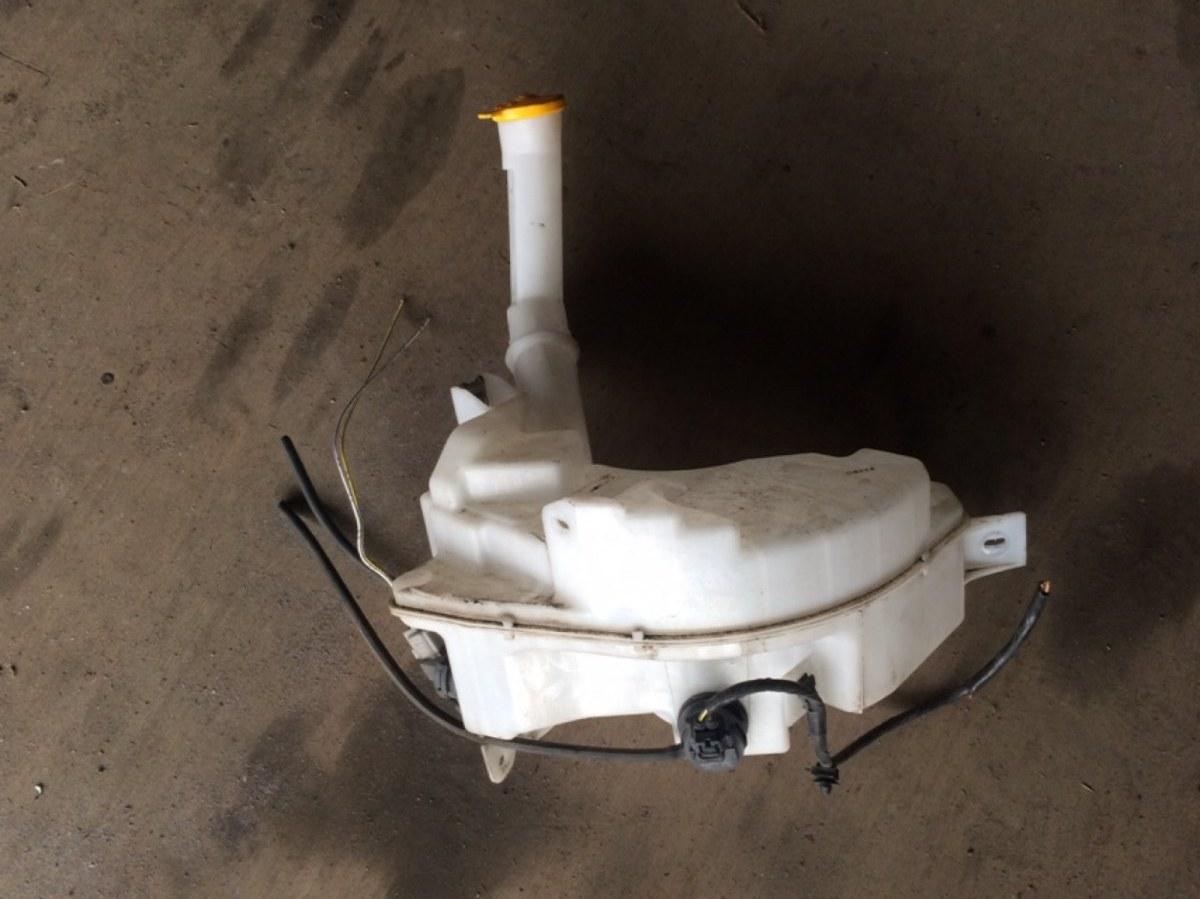 Бачок омывателя Mazda 3 HATCHBACK 2.0 TDCI 2002 (б/у)