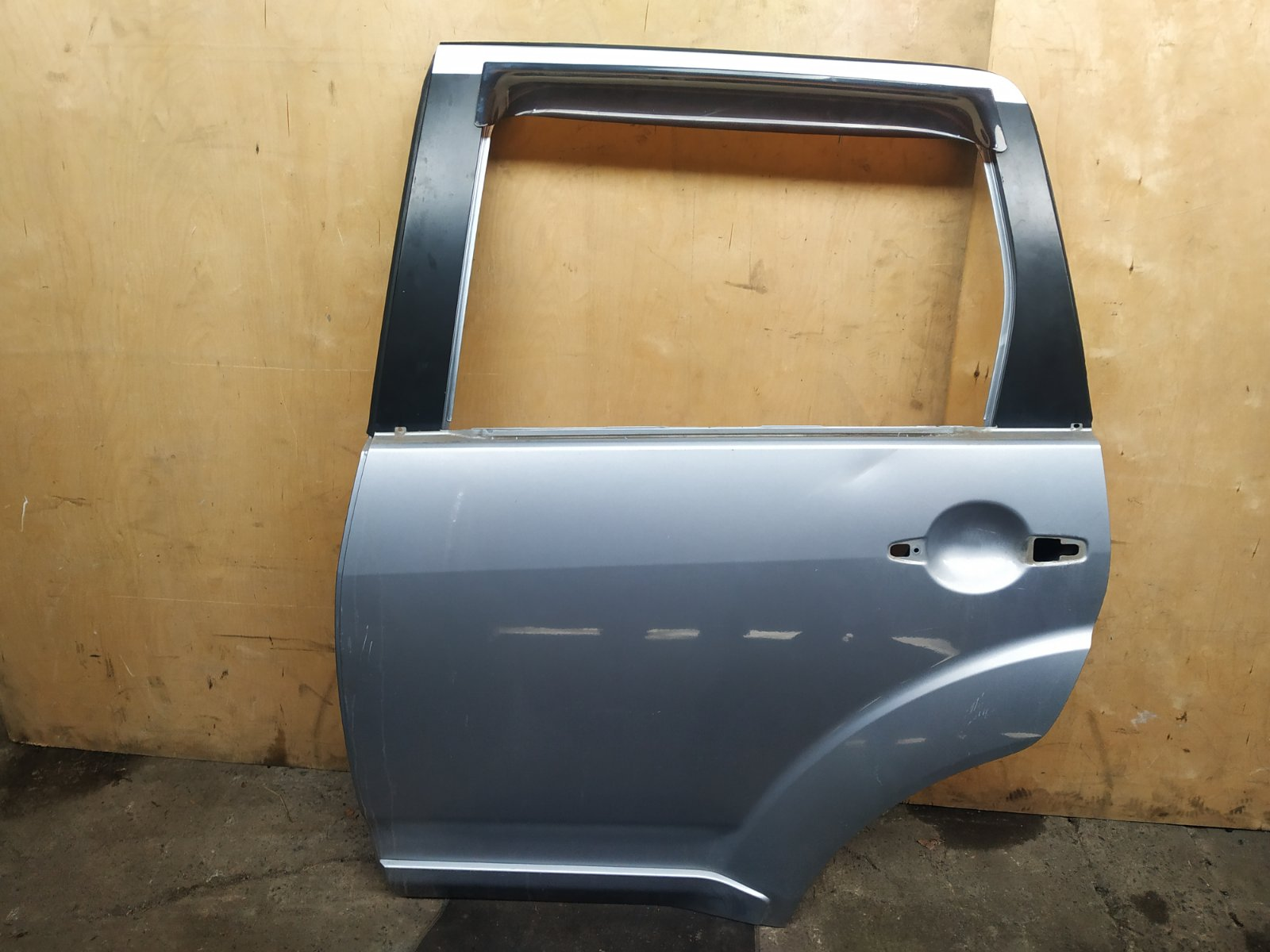 Дверь Mitsubishi Outlander XL CW 4B12 2005 задняя левая (б/у)