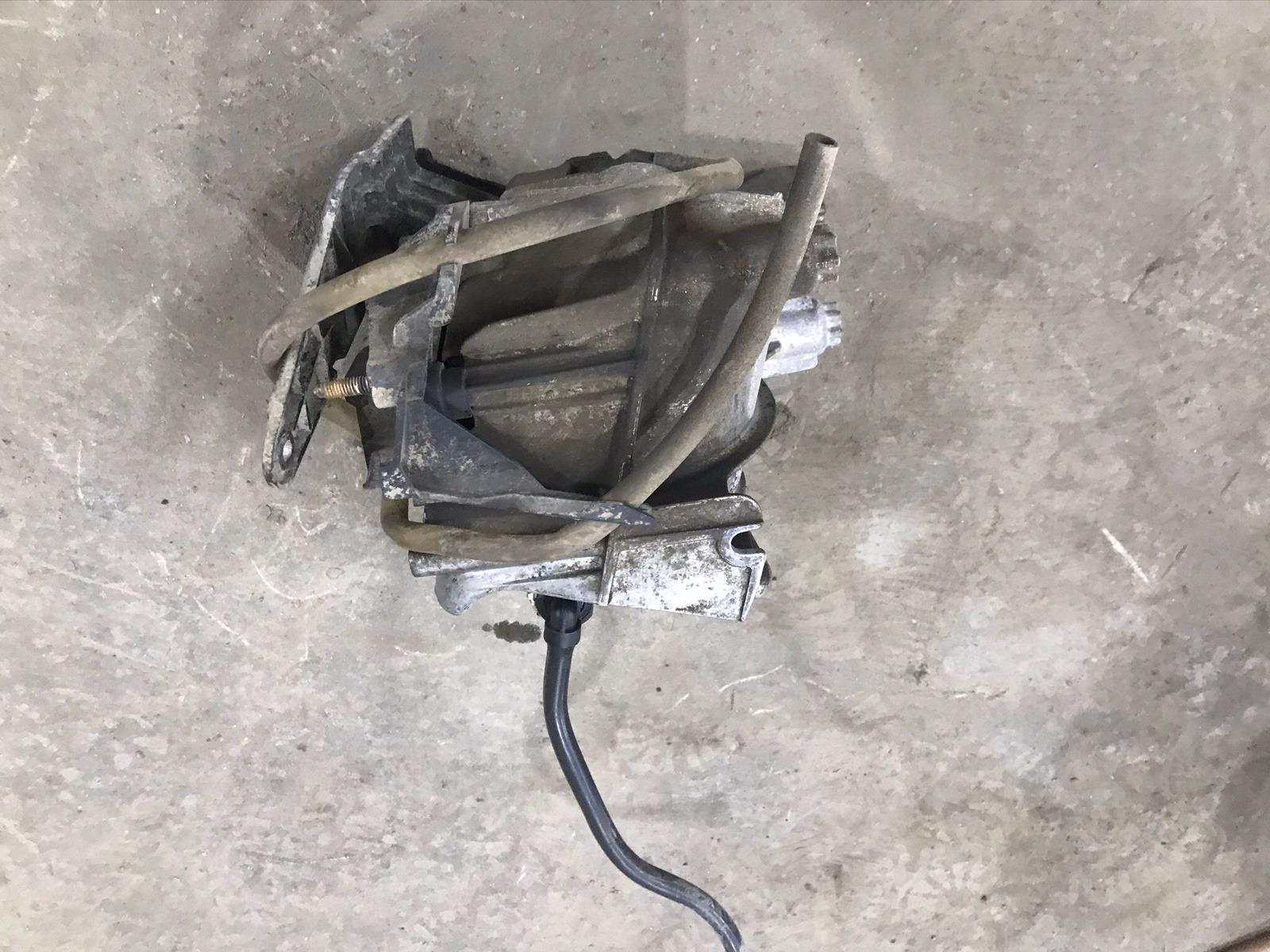 Корпус топливного фильтра Ford Focus 3 СЕДАН 2.0 TDCI 2011 (б/у)