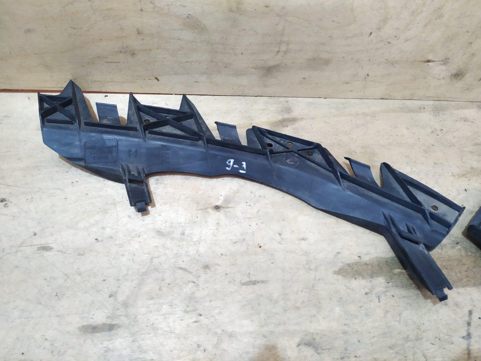Кронштейн фары SAAB 9-3 правый (б/у)