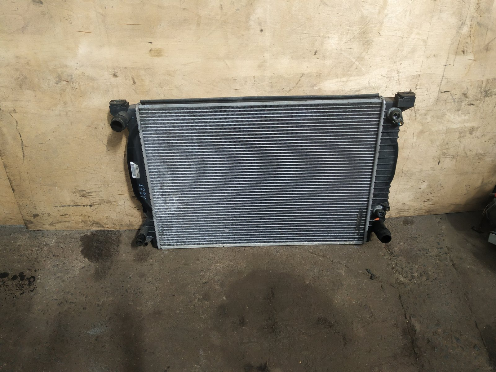 Радиатор основной Audi A6 С5 1997 (б/у)