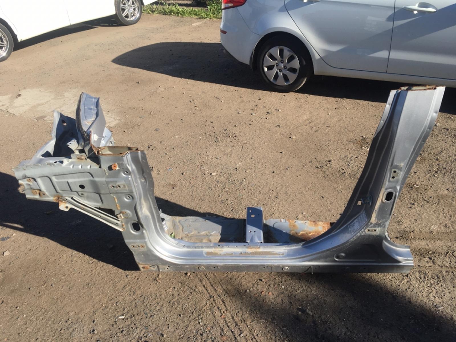 Порог кузова Mitsubishi Outlander XL CW 4B12 2005 (б/у)