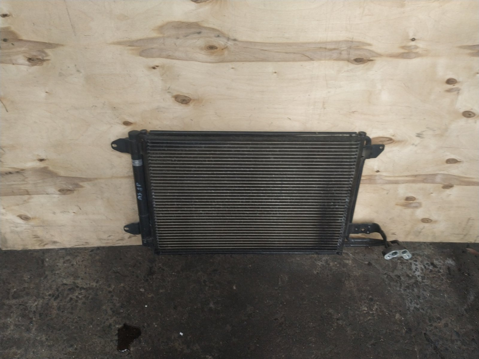 Радиатор кондиционера Audi A3 8P 2003 (б/у)