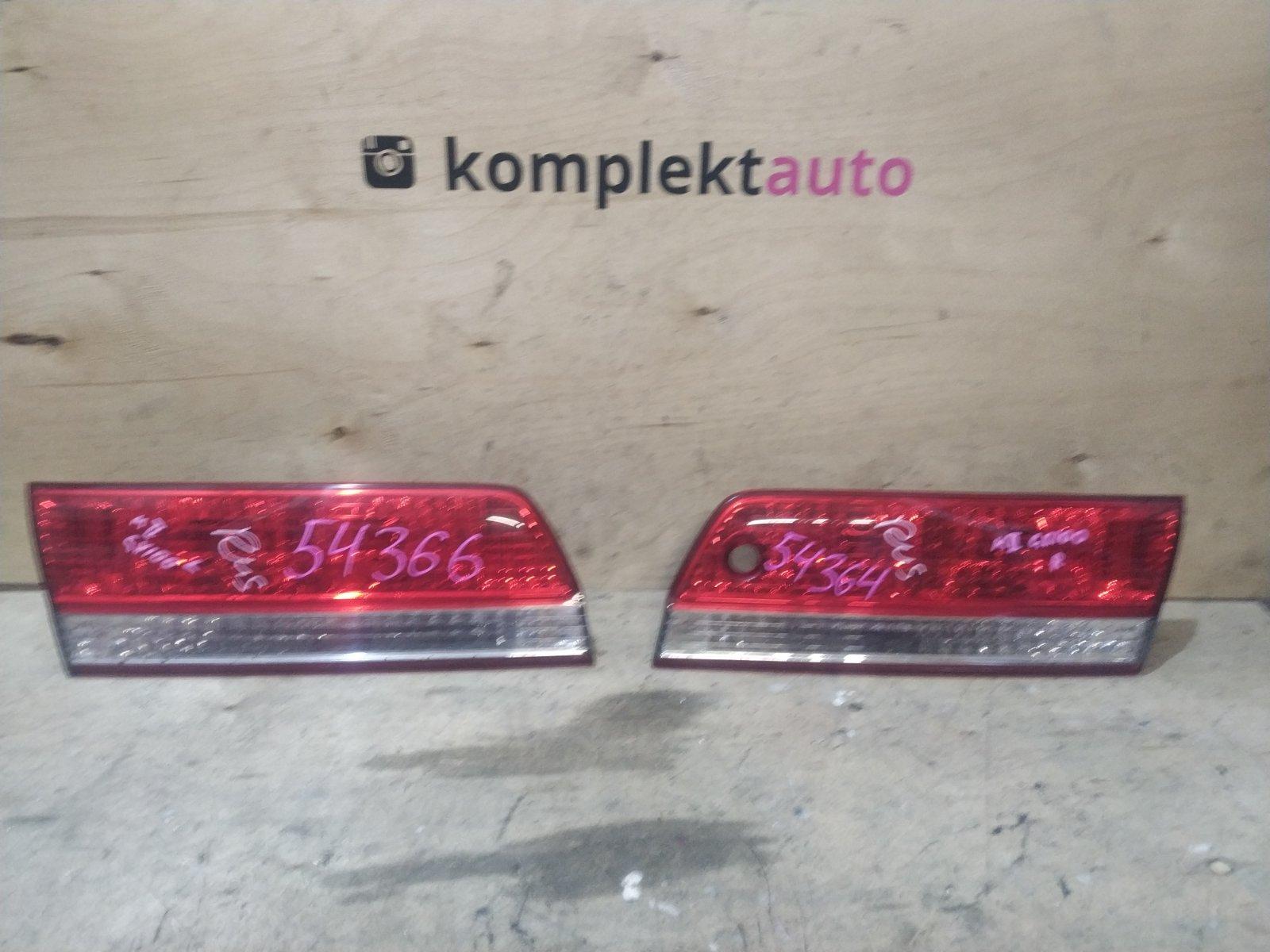 Фонарь в крышку багажника Toyota Mark 2 1998 задний (б/у)