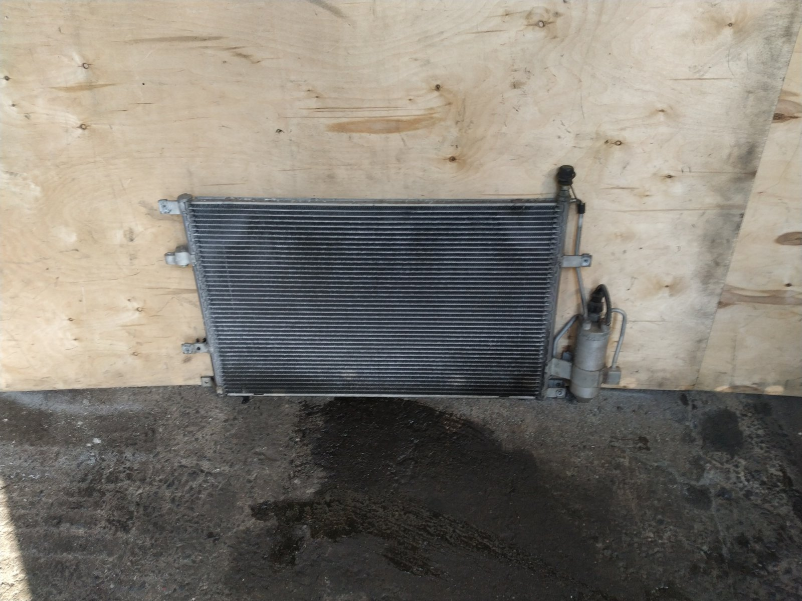 Радиатор кондиционера Volvo S60 1 2000 (б/у)
