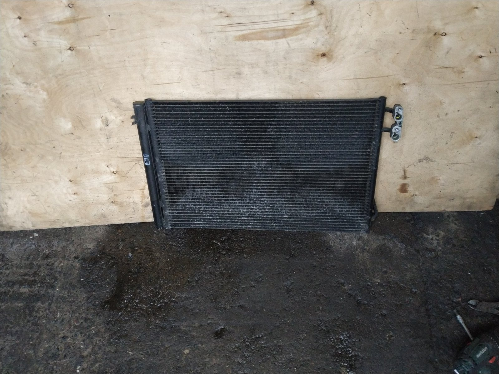 Радиатор кондиционера BMW 3-series Е90 2005 (б/у)