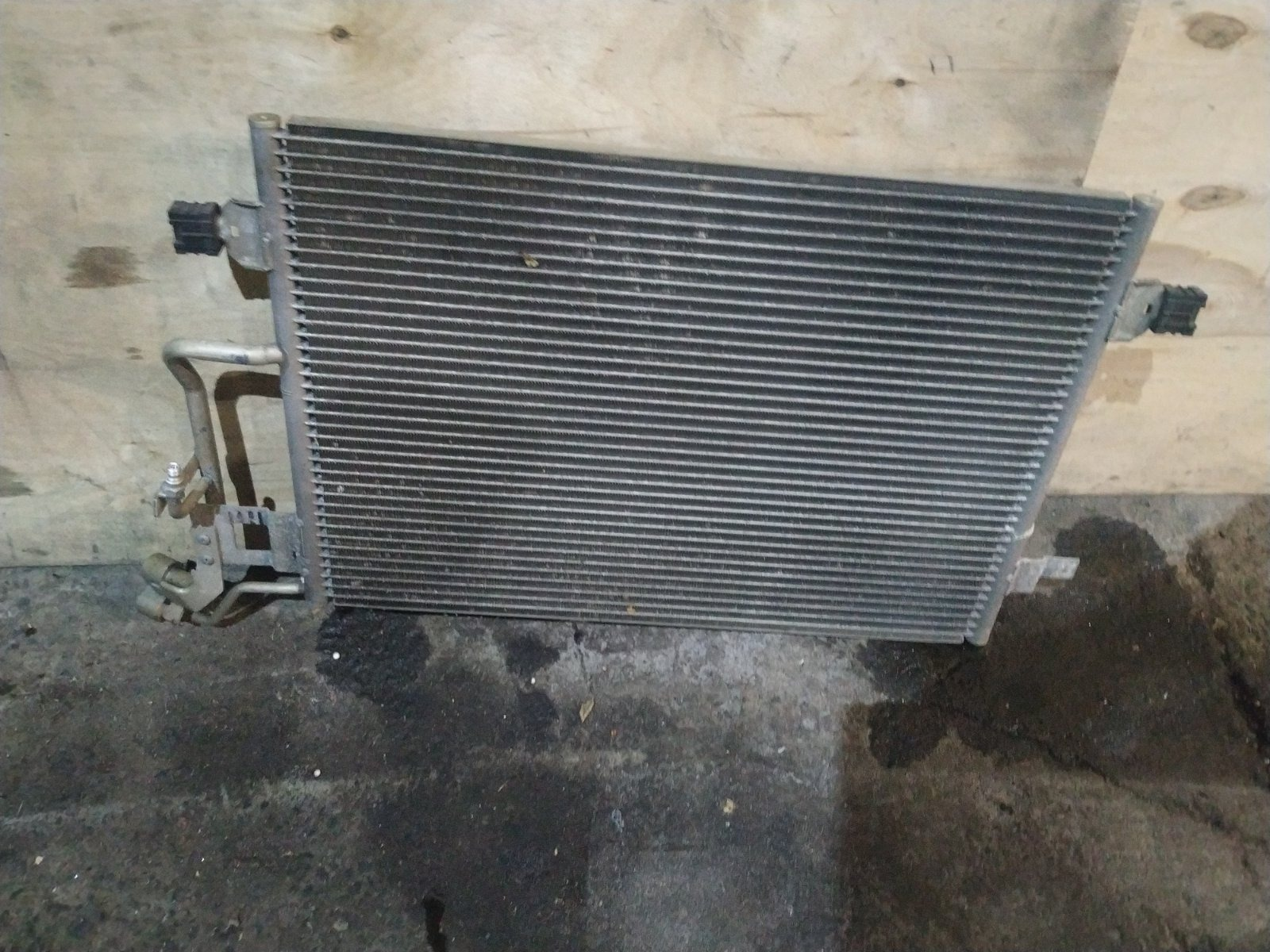 Радиатор кондиционера Volkswagen Passat B5+ 2000 (б/у)