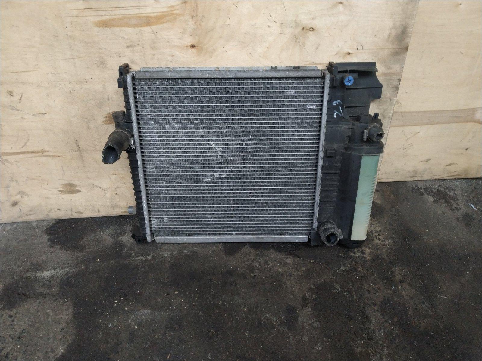Радиатор основной BMW Z3 1995 (б/у)
