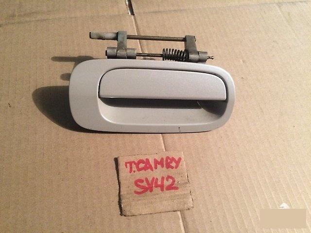 Ручка двери внешняя Toyota Camry SV40 задняя правая (б/у)