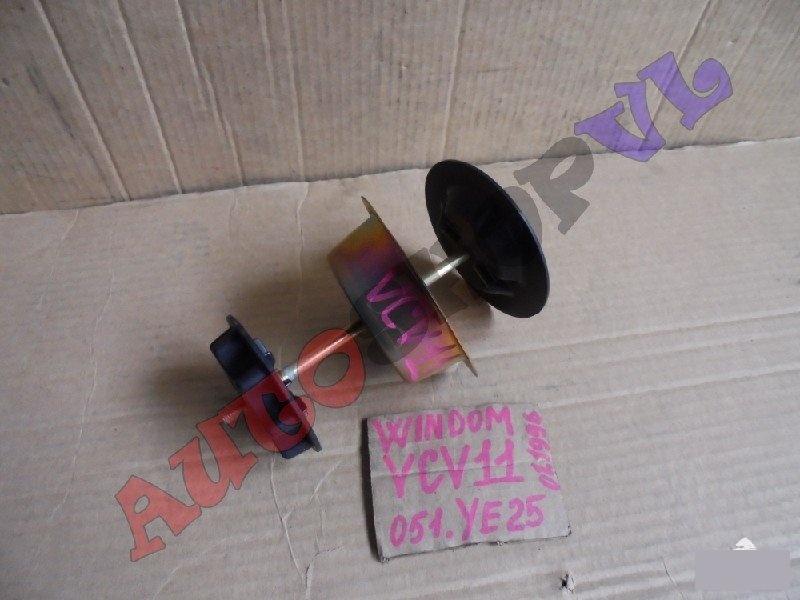 Крепление запасного колеса Toyota Windom VCV11 (б/у)
