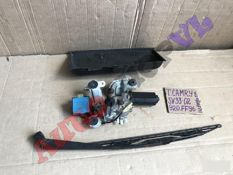 Мотор дворников Toyota Camry SV30 задний (б/у)