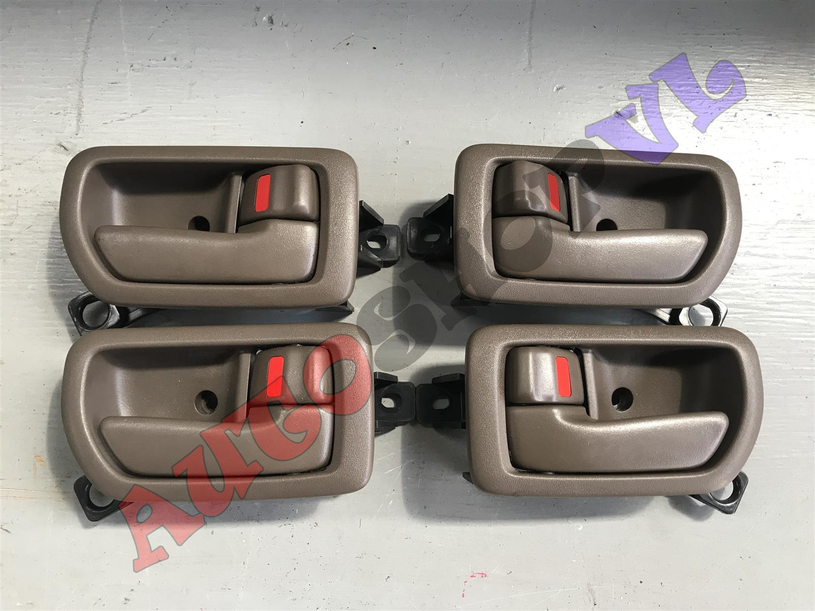 Ручка двери внутренняя Toyota Camry SV40 (б/у)