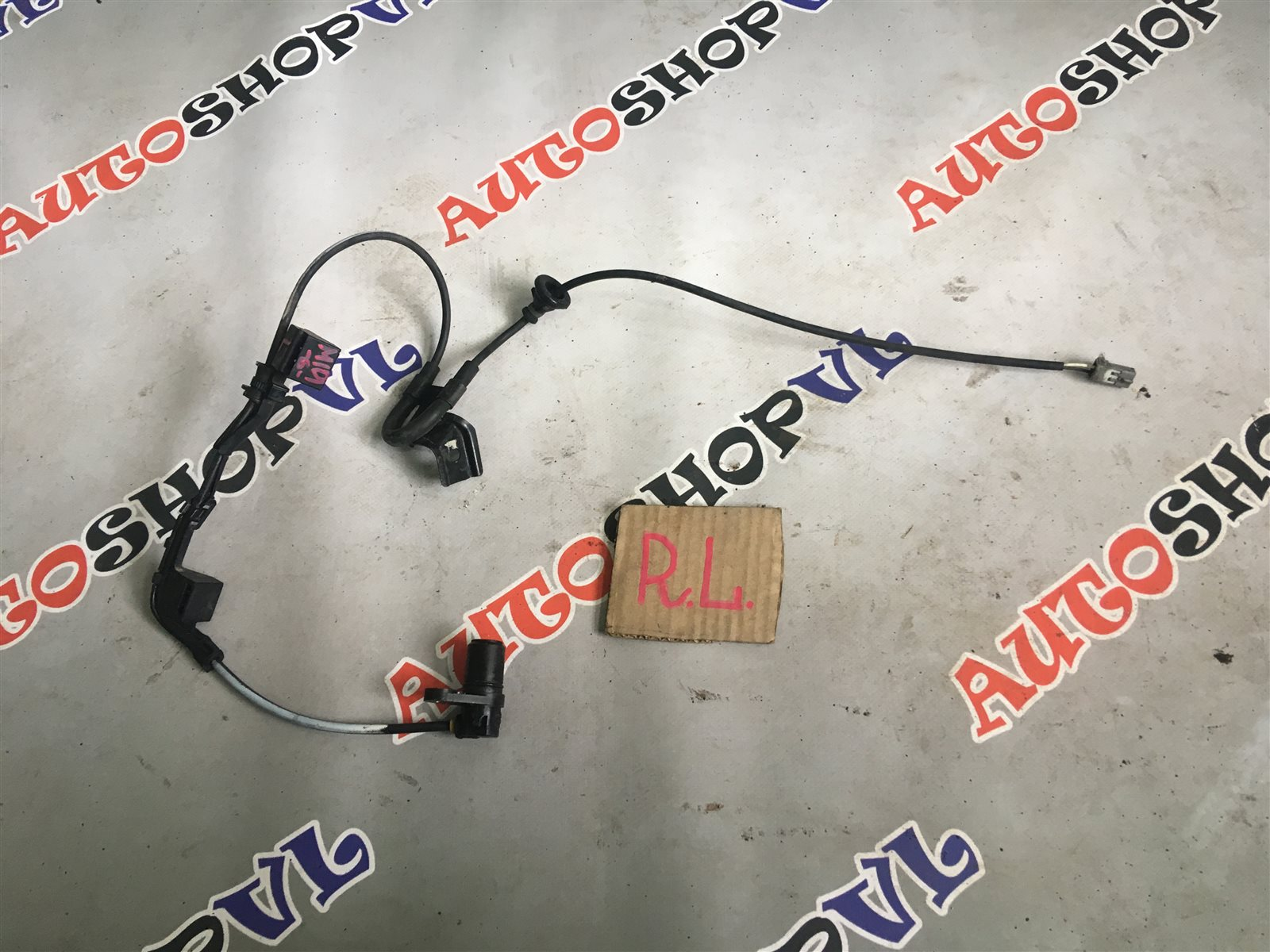 Датчик abs Toyota Sprinter Marino AE101 задний левый (б/у)