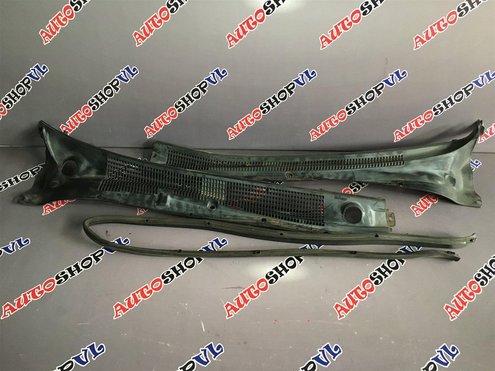 Решетка под дворники Toyota Camry Prominent VZV33 (б/у)