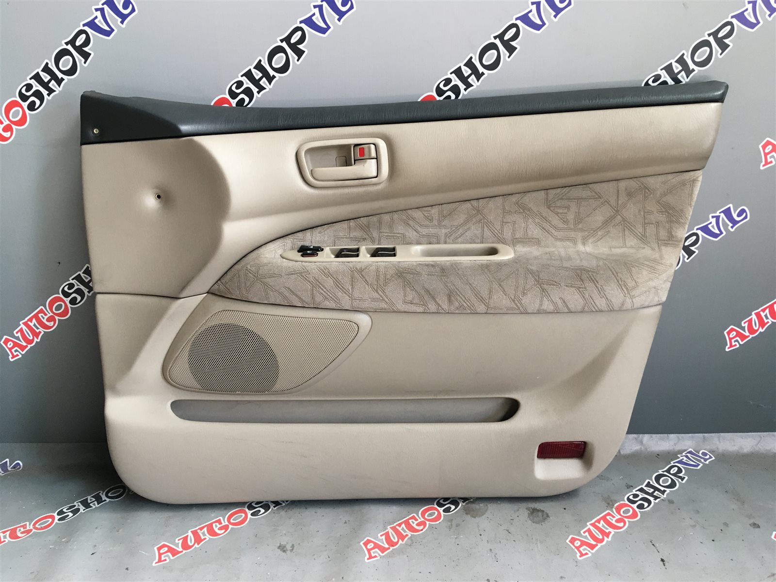 Обшивка дверей Toyota Vista Ardeo SV50 06.1998 (б/у)