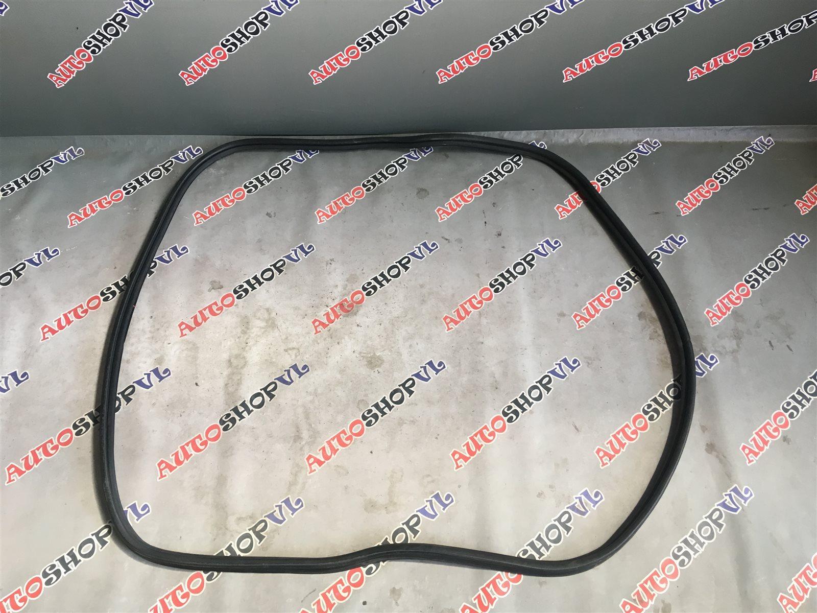 Уплотнительная резинка багажника Toyota Vista Ardeo AZV50 (б/у)