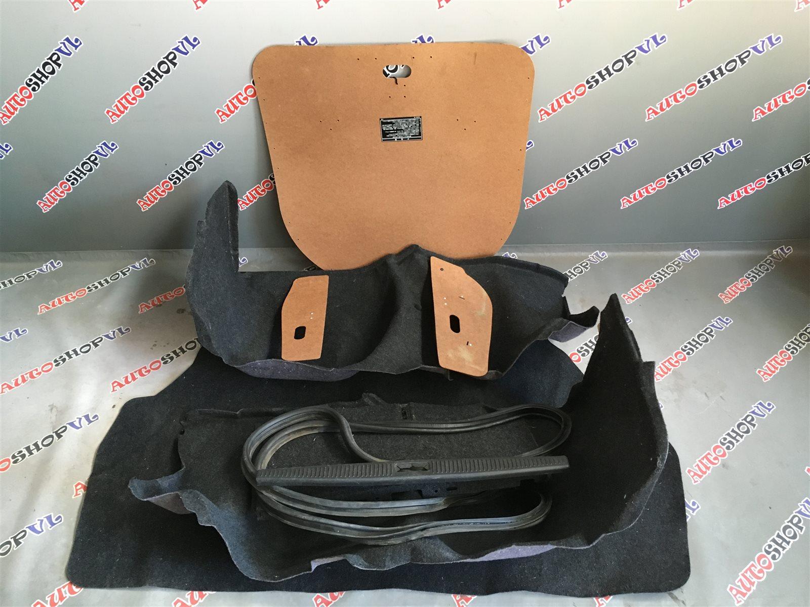 Обшивка багажника Toyota Camry SV30 (б/у)
