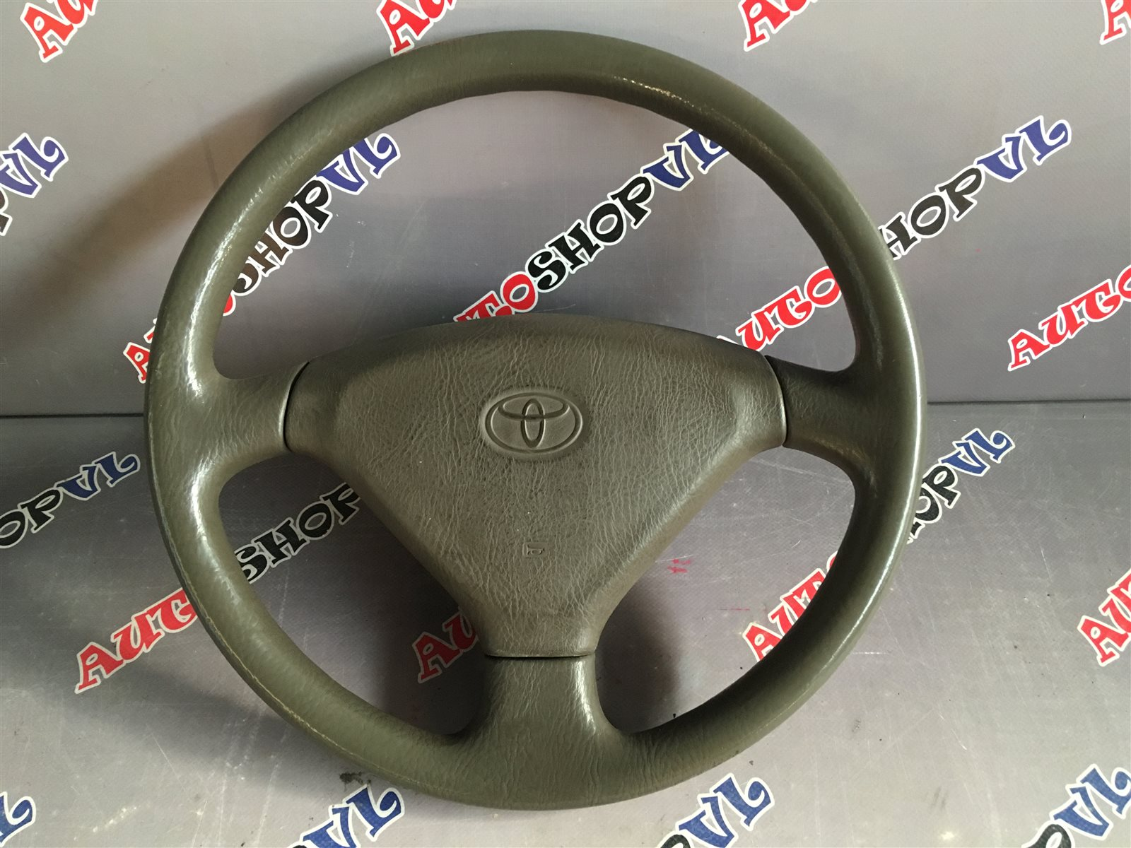 Руль Toyota Vista SV30 (б/у)