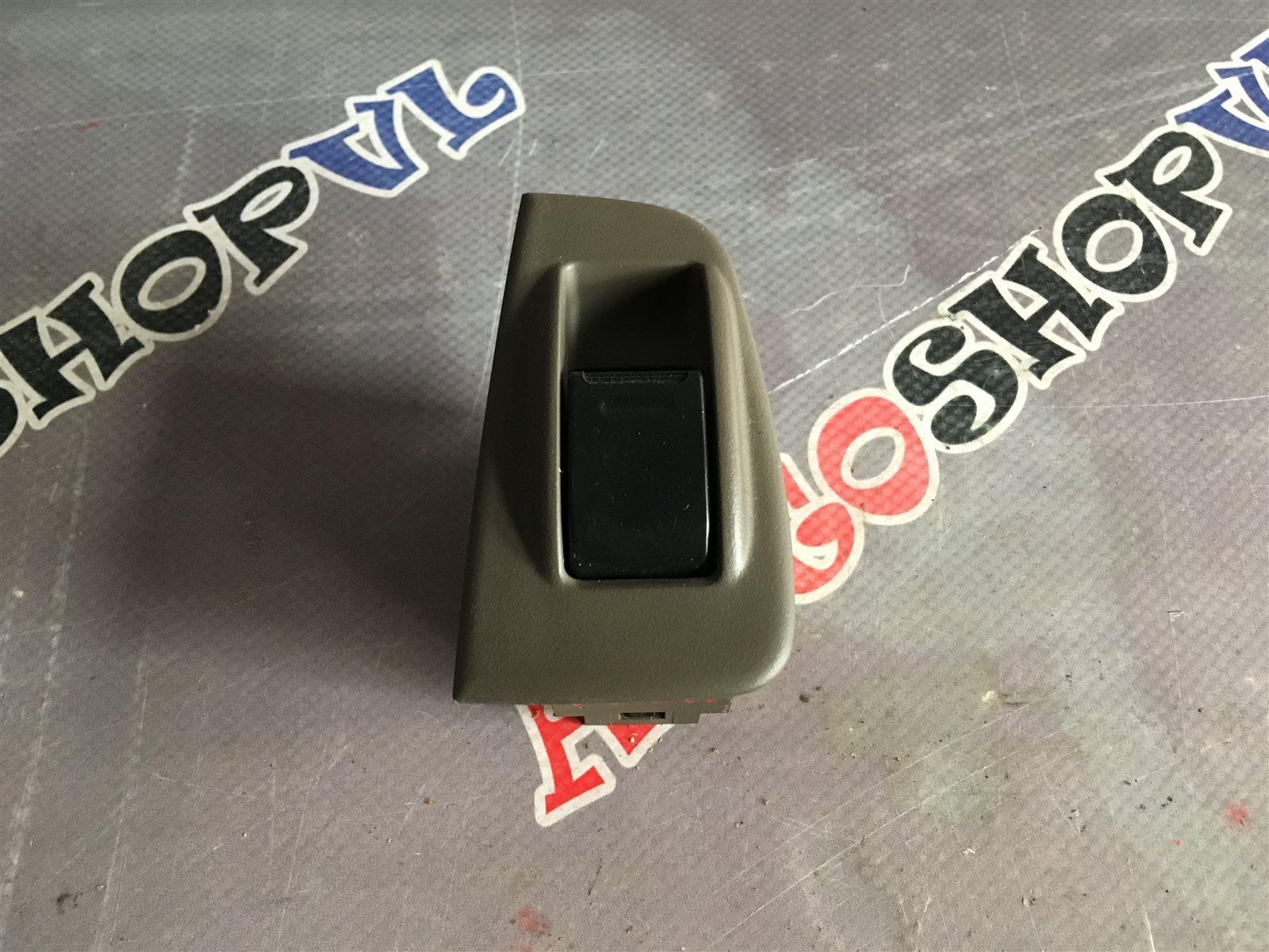 Кнопка стеклоподъемника Toyota Vista SV30 задняя левая (б/у)