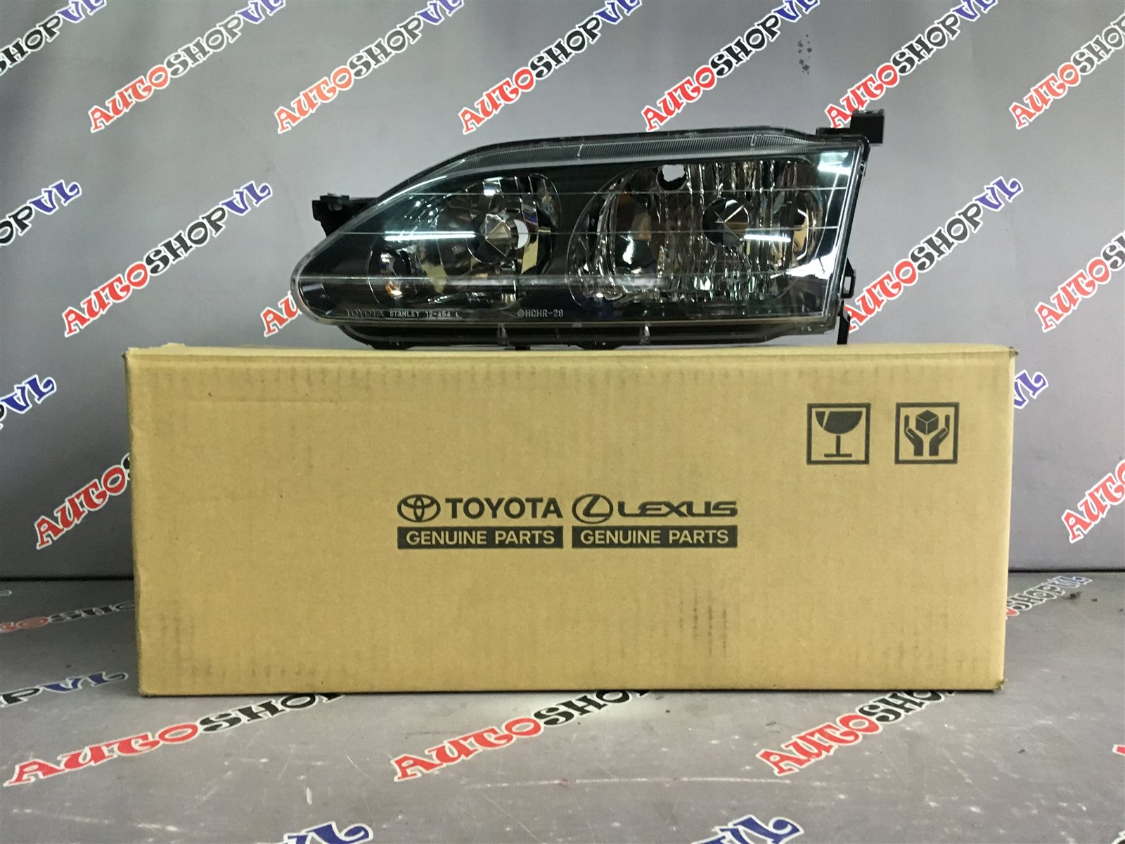 Фара Toyota Sprinter Trueno AE111 04.1997 передняя левая