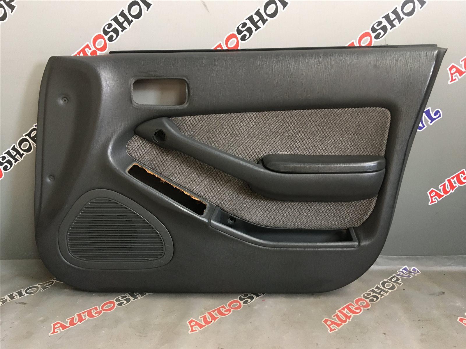 Обшивка дверей Toyota Camry SV30 (б/у)