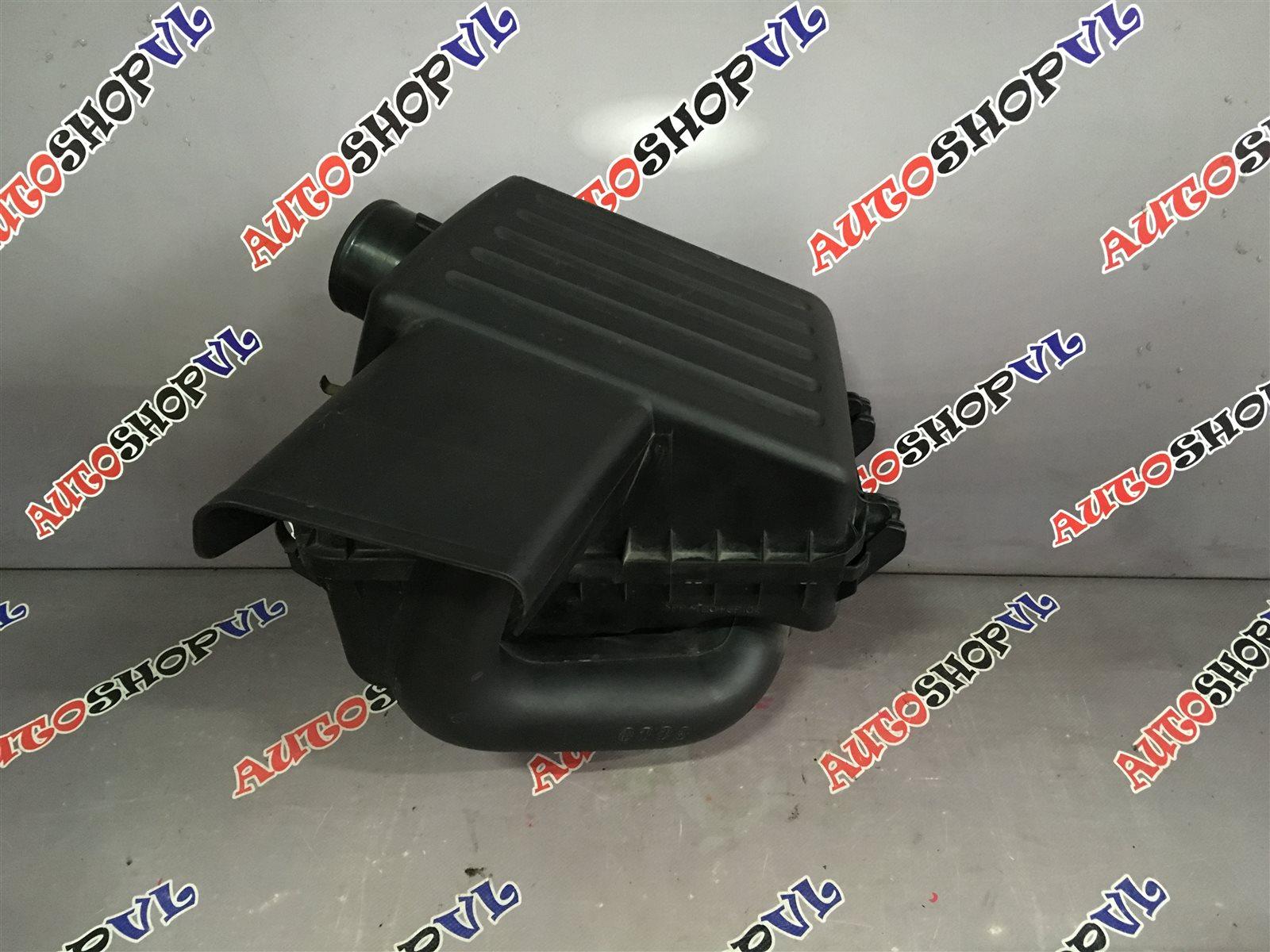 Корпус воздушного фильтра Toyota Vista AZV50 1AZFSE (б/у)
