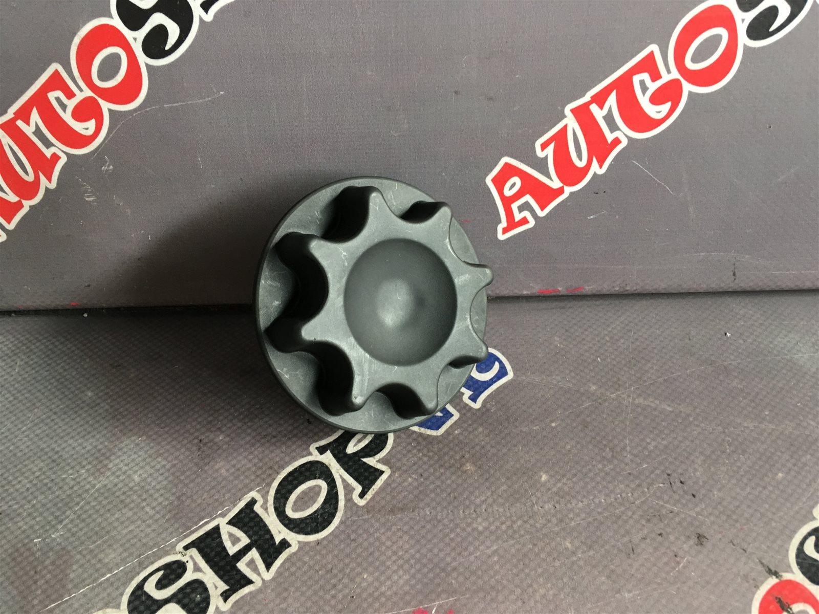 Крепление запасного колеса Toyota Vista AZV50 1AZFSE (б/у)