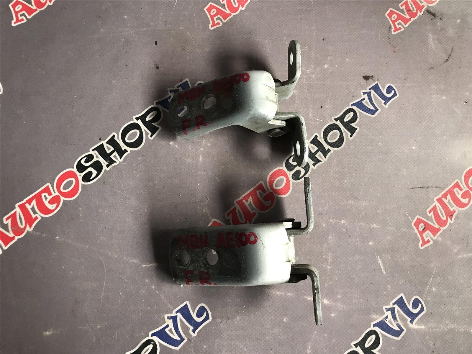 Петля дверная Toyota Sprinter Marino AE101 передняя правая (б/у)