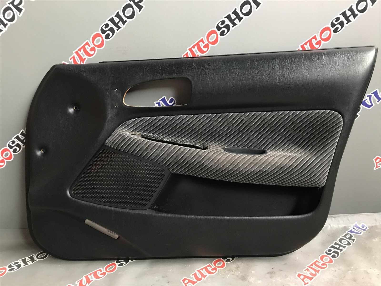 Обшивка дверей Toyota Sprinter Marino AE101 передняя правая (б/у)