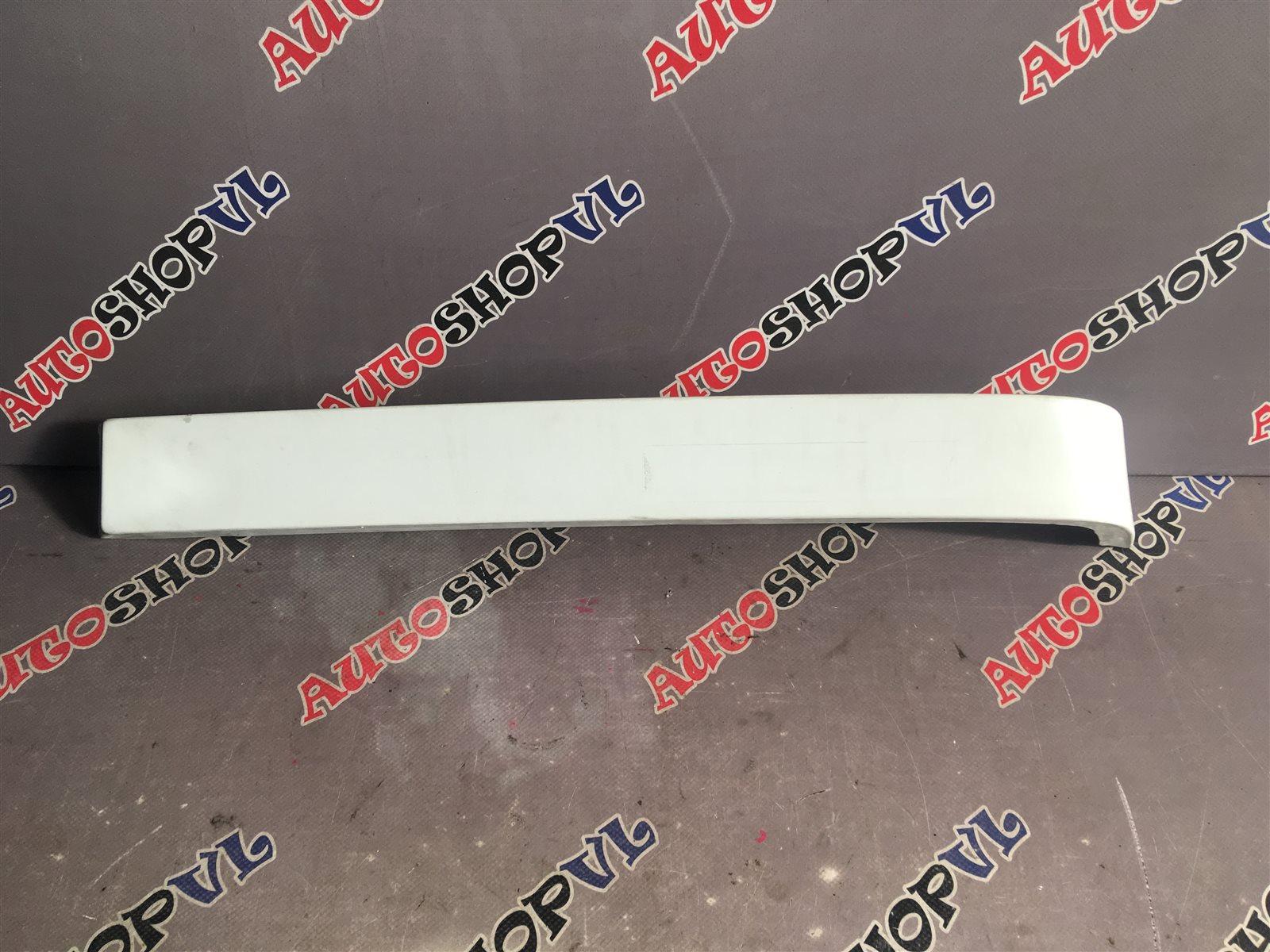 Планка под стоп Toyota Vista SV22 4SFI задняя правая (б/у)