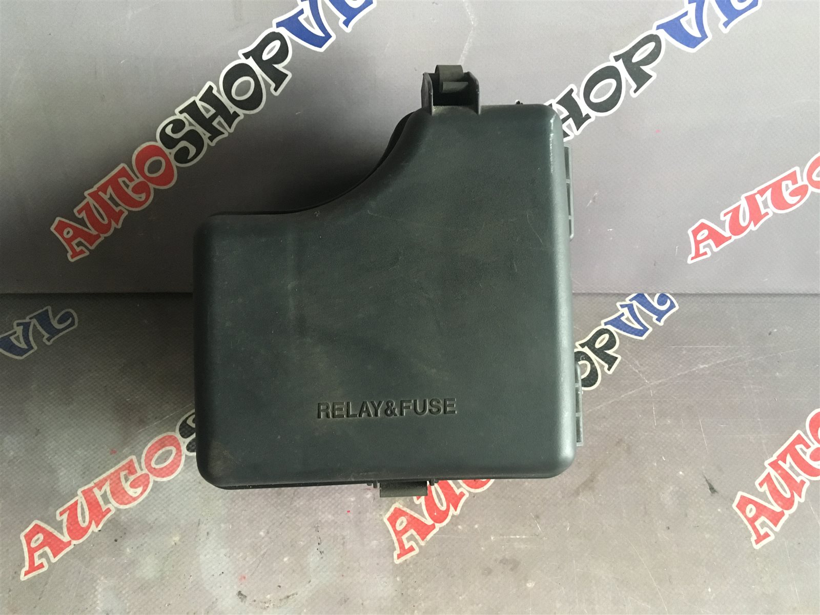 Блок предохранителей под капот Toyota Carina AT191 7AFE (б/у)