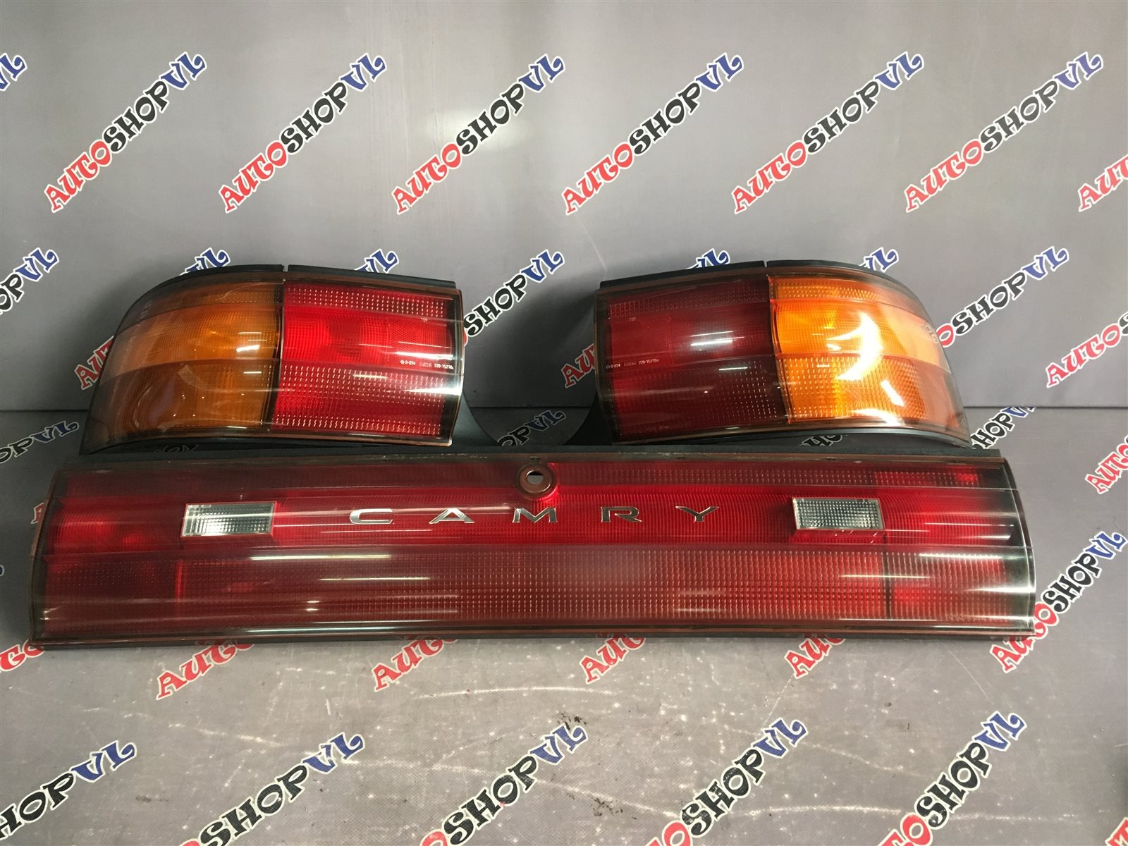 Стоп-сигнал Toyota Camry SV30 07.1990 задний (б/у)